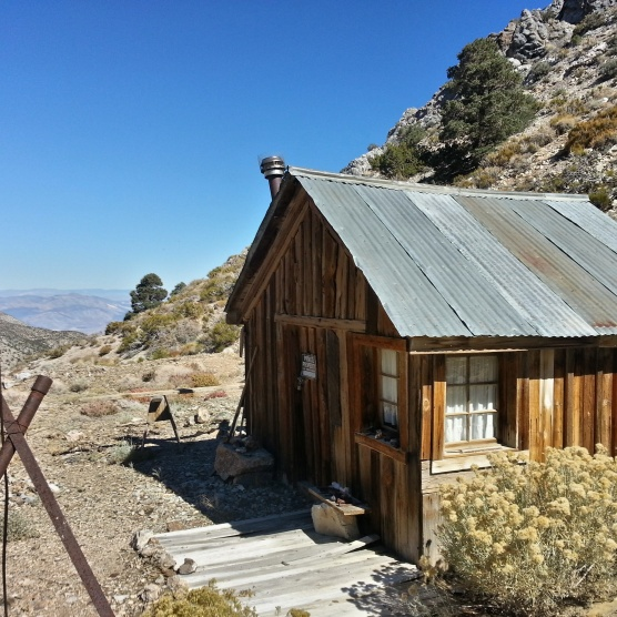 cabin in Cerro Gordo